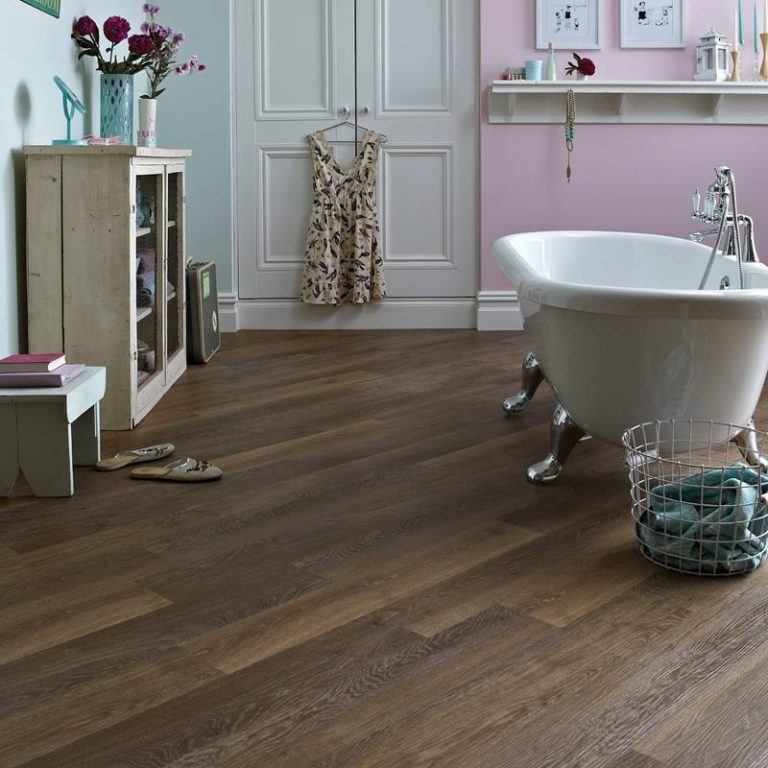 KP96_Mid-Limed-Oak_RS_Res_Bathroom_Image